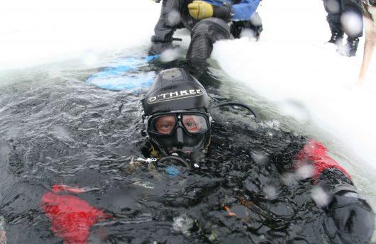 Arctic scuba diving in the White Sea