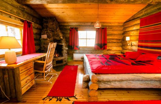 Kakslauttanen East Village small cabin bedroom