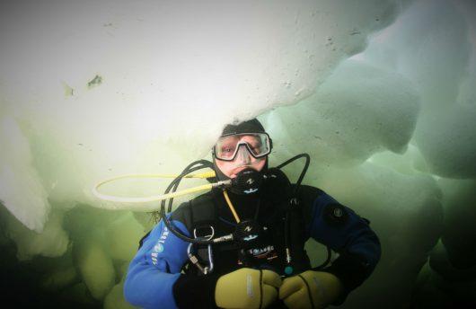 Arctic scuba diving in the White Sea, Russia