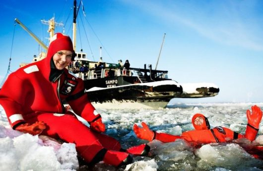 Sampo ice breaker and Ice Floating