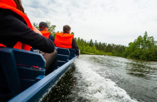 boat trip at kakslauttanen in summer