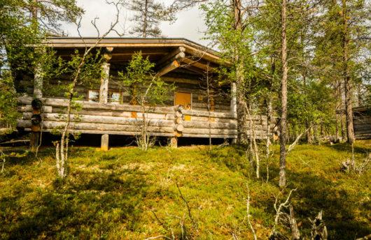 cabin in summer at kakslauttanen