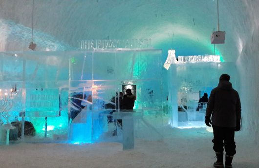 ice bar at icehotel 365