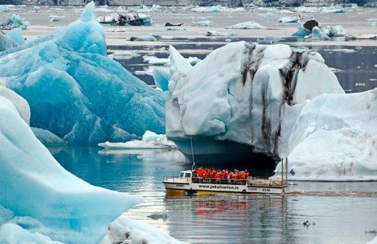 jokulsarlon glacier icebergs