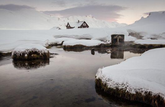 iceland cabin in wilderness
