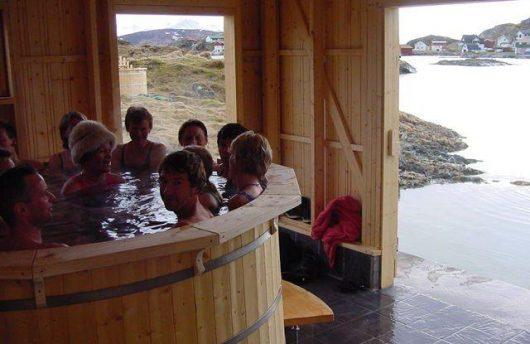 Hot Tub Northern Light Bath