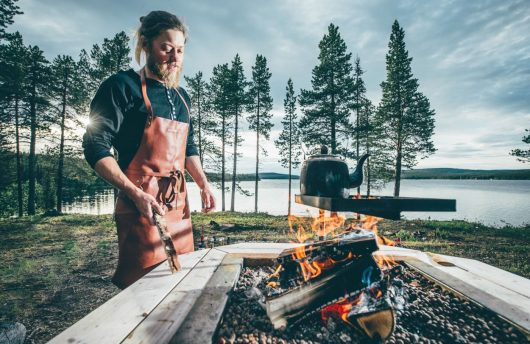 Cooking in the Wilderness near IceHotel